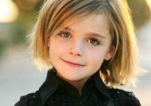 子供の髪型 女の子. めちゃくちゃかわいいですね。前髪長めのボブです。